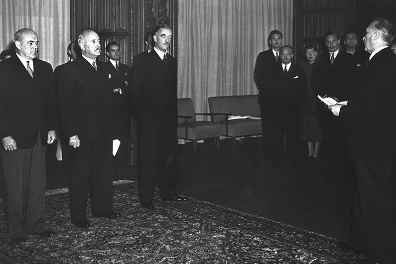 Black and white photograph of Konrad Adenauer's inaugural visit to the Allied High Commission at Petersberg Hotel.